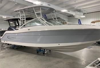2021 Robalo R247 Alloy Gray  Boat