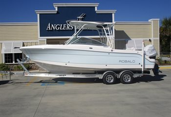 2021 Robalo R247 Ice Blue  Boat