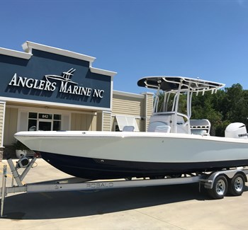 2019 Robalo R246 Cayman Ice Blue liquid-unknown-field [type] Boat