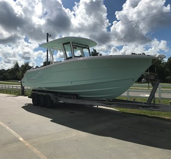 2018 Robalo R302 Sea Foam New Boat