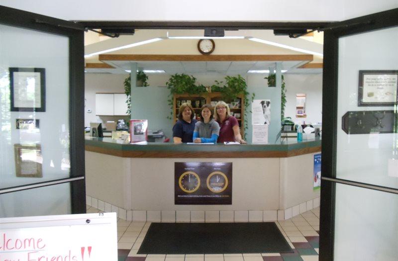 /Images/CoventryAnimalHospital/site/virtual/reception/2reception1.JPG